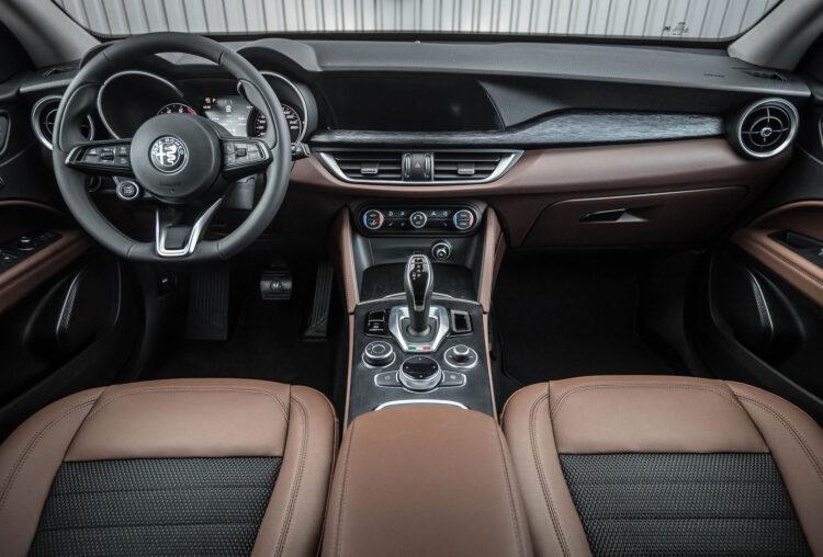 Alfa Romeo Stelvio Super 200AG