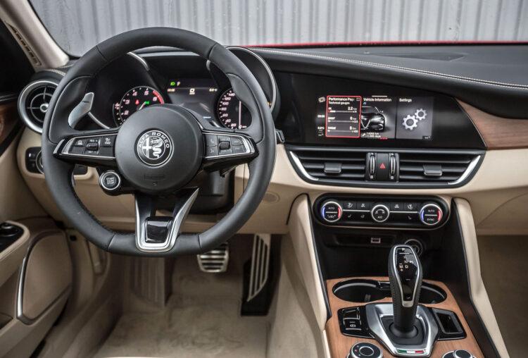 Alfa Romeo Giulia Ti MY20 200 ZS
