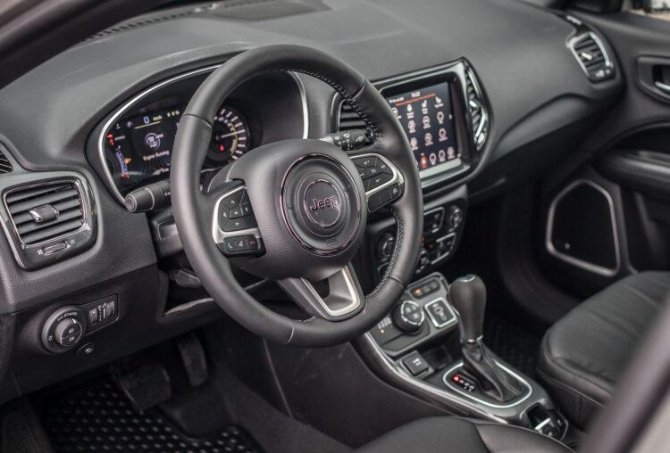 Jeep Compass 4xe įkraunamas hibridas